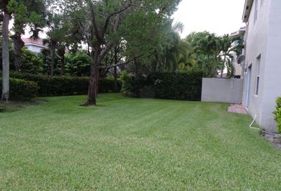 4052 Woodhill Place Boynton Beach FL 33436