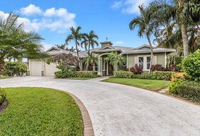 24 Tradewinds Circle Tequesta FL 33469