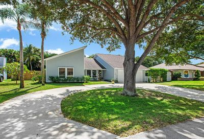 9024 Gardens Glen Circle Palm Beach Gardens FL 33418