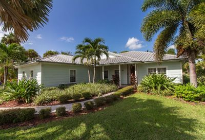 809 S 10th Street Fort Pierce FL 34950