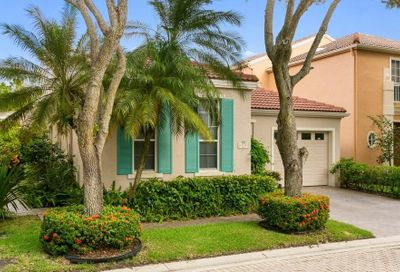 73 Via Verona Palm Beach Gardens FL 33418