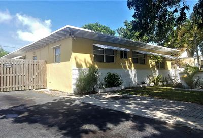 527 48th Street West Palm Beach FL 33407