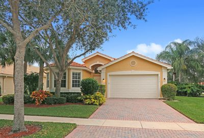 7272 Imperial Beach Circle Delray Beach FL 33446