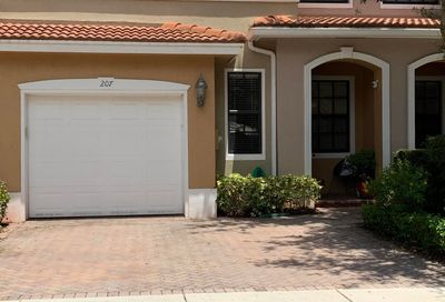 207 W Chrystie Circle Delray Beach FL 33484