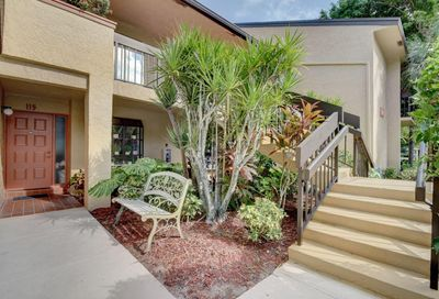 5021 Oak Hill Lane Delray Beach FL 33484