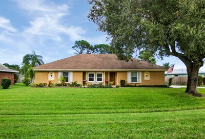 2361 SE Bordeaux Court Port Saint Lucie FL 34952