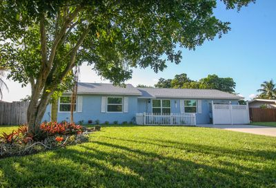113 Swan W Parkway Royal Palm Beach FL 33411