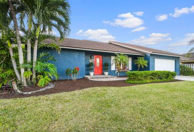 117 Pinehill W Trail Tequesta FL 33469