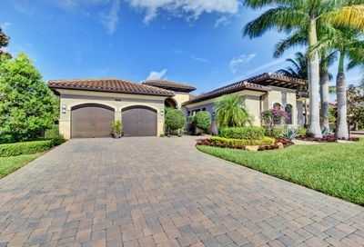 8517 Hawks Gully Avenue Delray Beach FL 33446