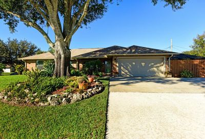 758 Smith Street Sebastian FL 32958