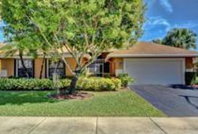 5822 SW 88th Terrace Cooper City FL 33328