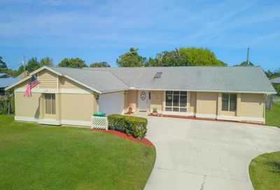 2773 SE Howell Avenue Port Saint Lucie FL 34952