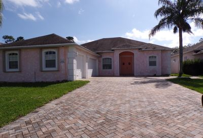 488 NW Sunflower Place Jensen Beach FL 34957