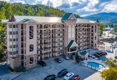 210 Roaring Fork Rd Gatlinburg TN 37738