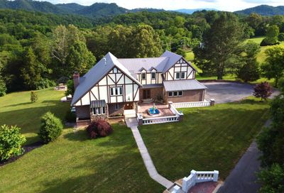 1959 Valley Woods Drive Sevierville TN 37862