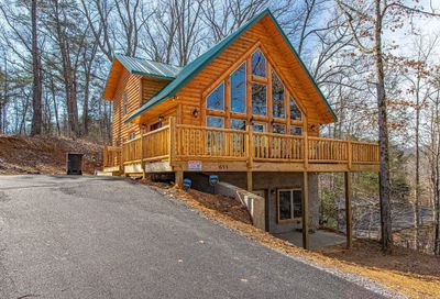 655 Monte Woods Circle Pigeon Forge TN 37863
