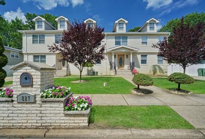 827 Woodland Drive Lakewood NJ 08701
