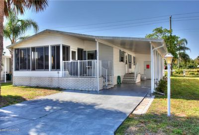 909 Laurel Circle Barefoot Bay FL 32976
