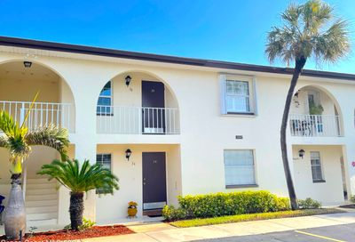 1047 Small Court Indian Harbour Beach FL 32937