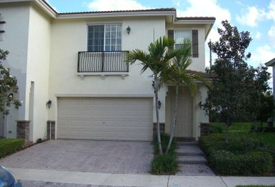 106 S Longport Circle Delray Beach FL 33444