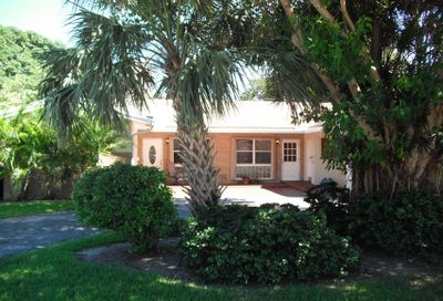 200 NE Wavecrest Way Boca Raton FL 33432