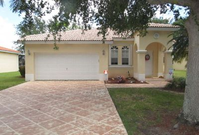 4245 NW 39th Place Coconut Creek FL 33073