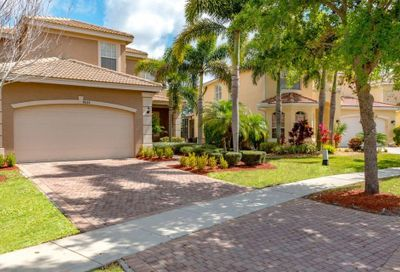 8033 Emerald Winds Circle Boynton Beach FL 33473