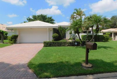17 Hampshire Lane Boynton Beach FL 33436