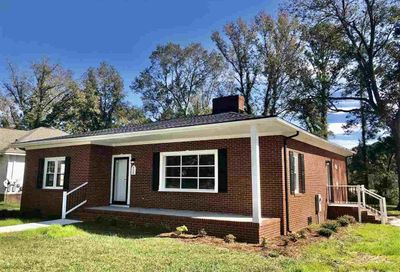 208 S College Avenue Kenly NC 27542