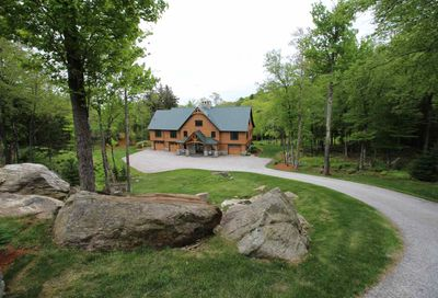 647 Trailview Drive Killington VT 05751