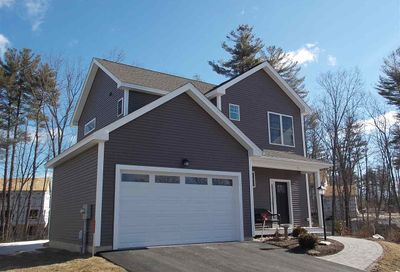51 Redwood Way Manchester NH