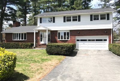 2 Stillwater Circle Salem NH