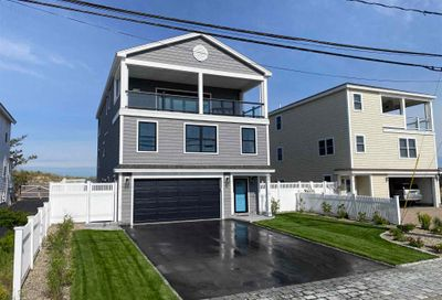12 Portsmouth Avenue Hampton NH 03874
