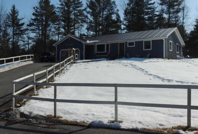 425 West Lake Road Wells VT 05774