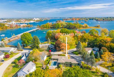 33 Pleasant Point Drive Portsmouth NH 03801