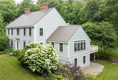 6 Carriage Road New Boston NH 03070
