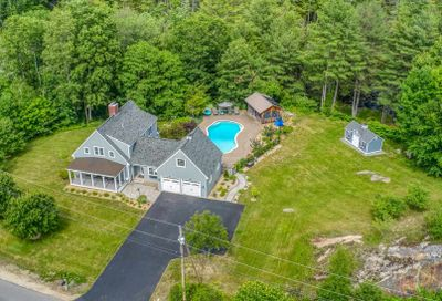 190 CARRIAGE Road New Boston NH 03070