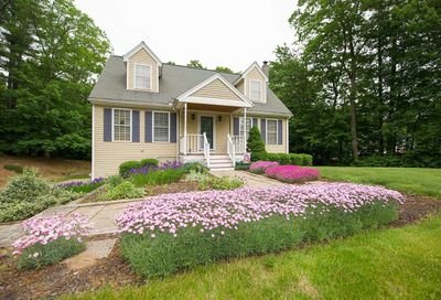10 Rowe Drive Fremont NH 03044