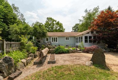 199 Pickpocket Road Brentwood NH 03833