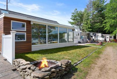 17 Dolphin Drive Belmont NH 03220