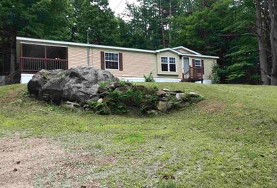 28 Rockland Road Weare NH 03281