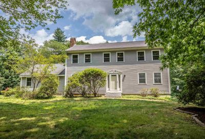 61 Quincy Drive Bedford NH 03110