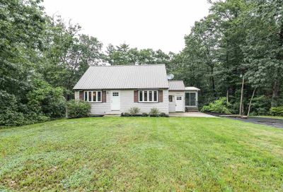 48 Old Derry Road Londonderry NH 03053