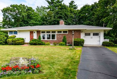 108 Parnell Place Nashua NH 03060