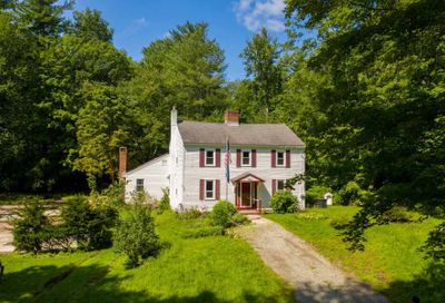 106 Pickpocket Road Brentwood NH 03833