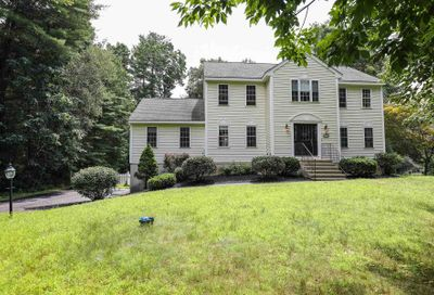24 Colonial Drive Londonderry NH 03053