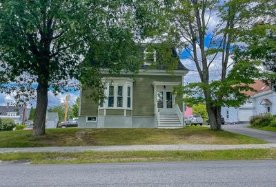 44 Middle Street Lancaster NH 03584