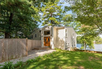 32 Marcoux Road Newton NH 03858