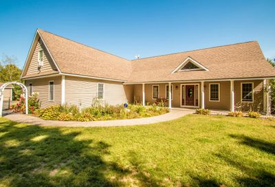 284 Pequawket Trail Brownfield ME 04010