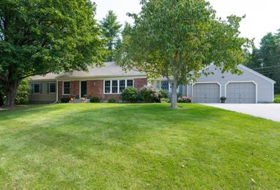 10 Colonial Drive Bedford NH 03110